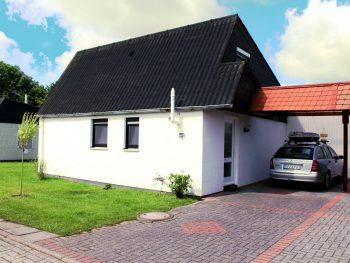ferienhaus mit eigenem carport
